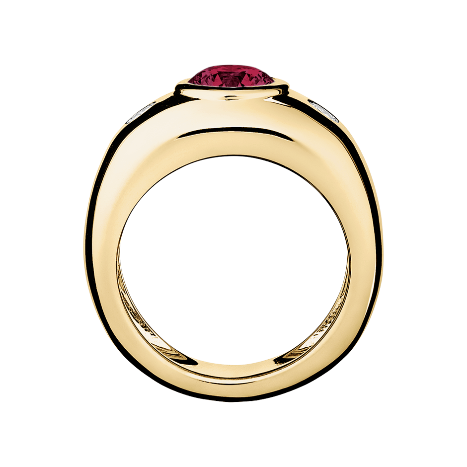 Naples Rhodolite red in Yellow Gold
